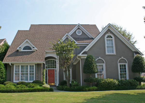 Stucco Siding: What It Is, Common Problems, & Solutions